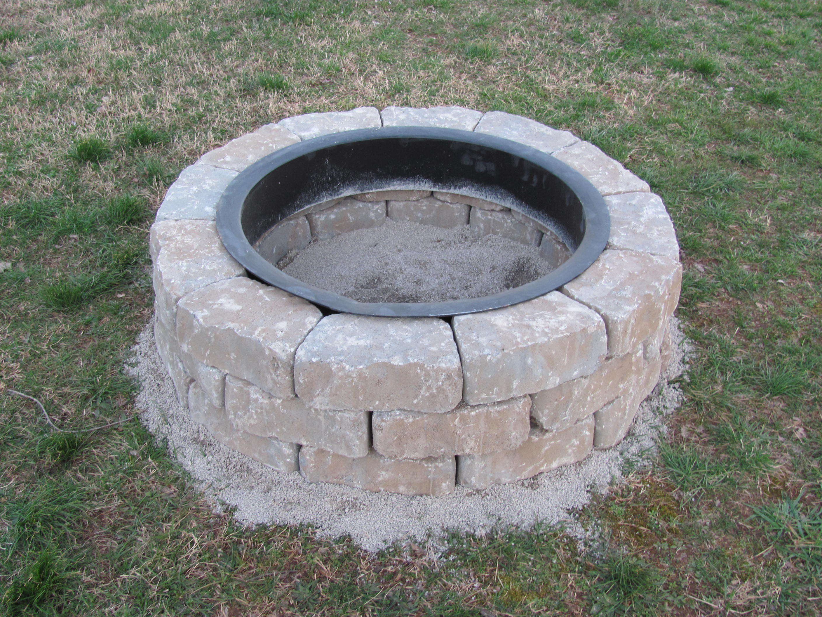 Building a fire pit for the home shakadoo for Prefabricated fire pits